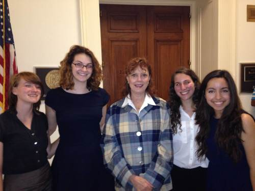 Left to right: Research Intern Shaina Castonguay; Policy Intern Francine Glaser; Susan Sarandon; Operations Intern Aliza Cohen; Field Intern Pilar Alatorre.